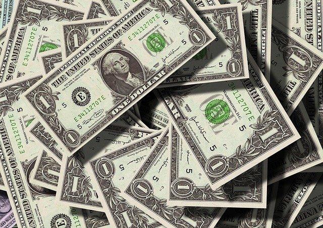 americké doláre.jpg