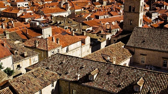 tašky na střeše